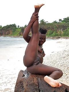 Ebony Nudist Pictures