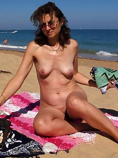 Mature Nudist Pictures