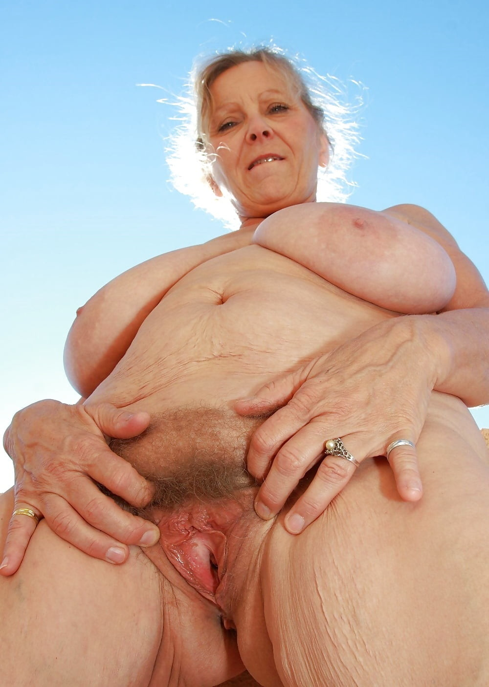 фото влагалищь теток престарелых